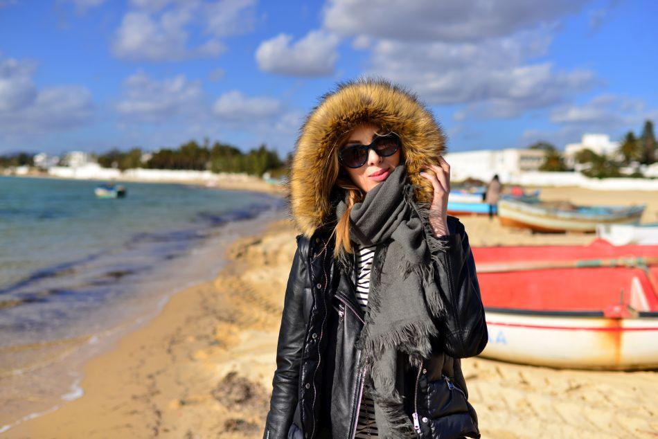 charlize mystery na plaży w tunezji