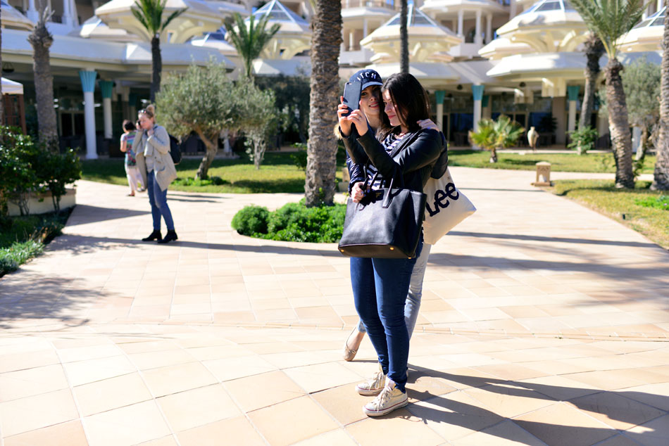 charlize mystery, fashionelka, selfie