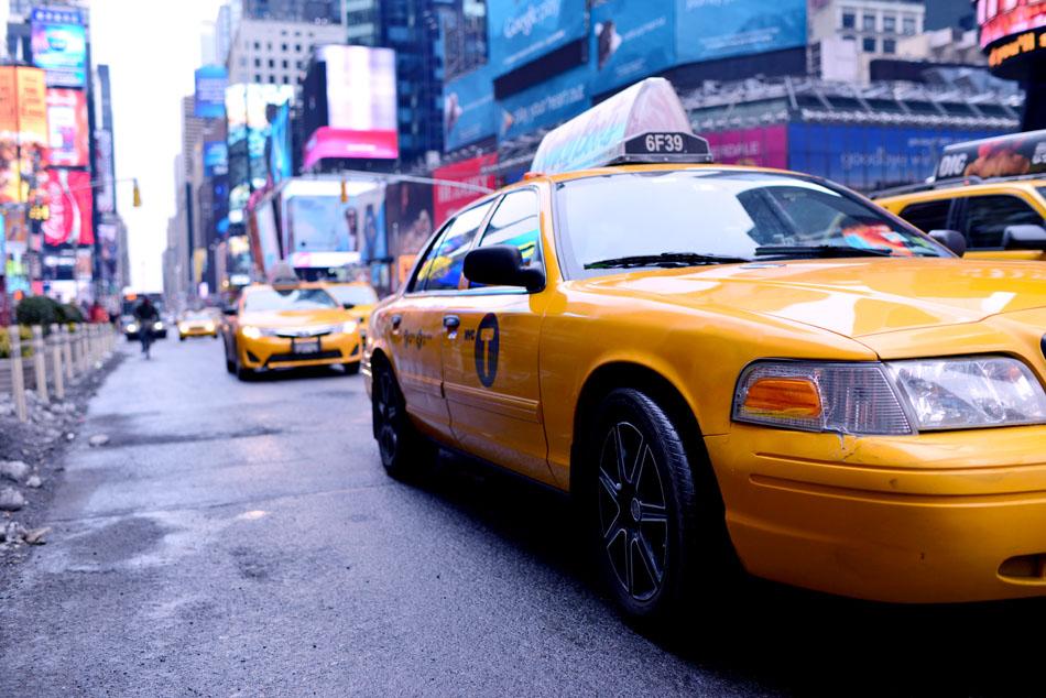 żółta taksówka nowy jork